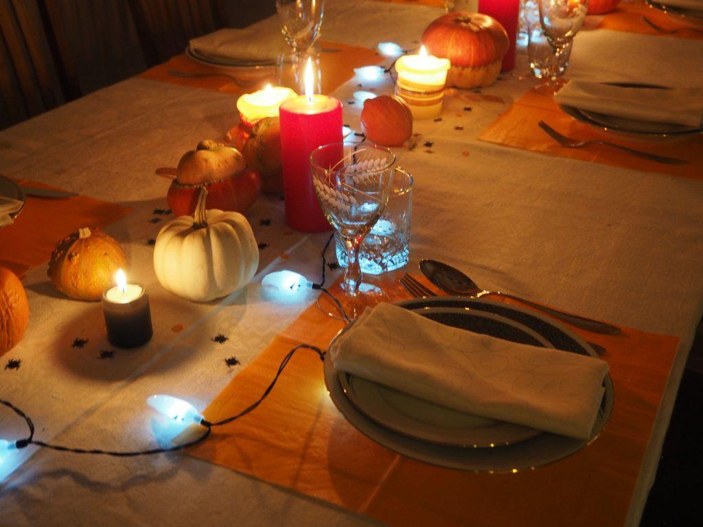 Õhtusöögilaud
